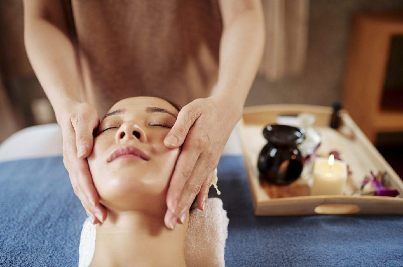 Face spa treatment