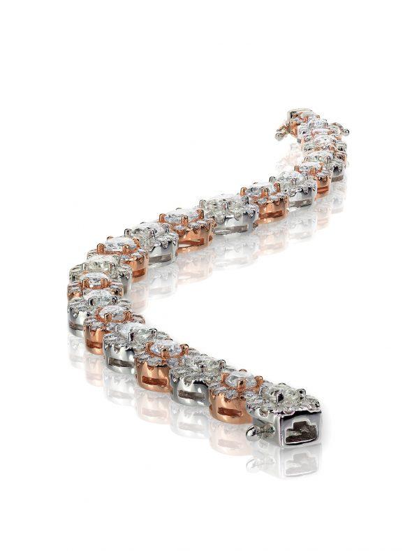 Snaking rose gold diamond Bracelet